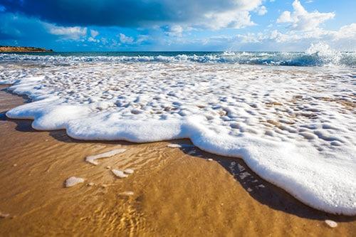 Surf at Gold Coast.
